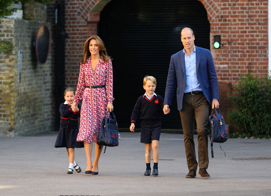 الأمير جورج والأميرة شارلوت مع وليام وكيت
