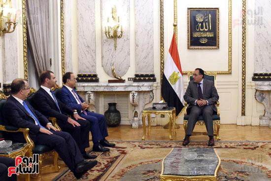 رئيس الوزراء يستقبل وزير التجارة والاقتصاد اللبنانى (4)