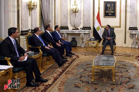 رئيس الوزراء يستقبل وزير التجارة والاقتصاد اللبنانى (5)