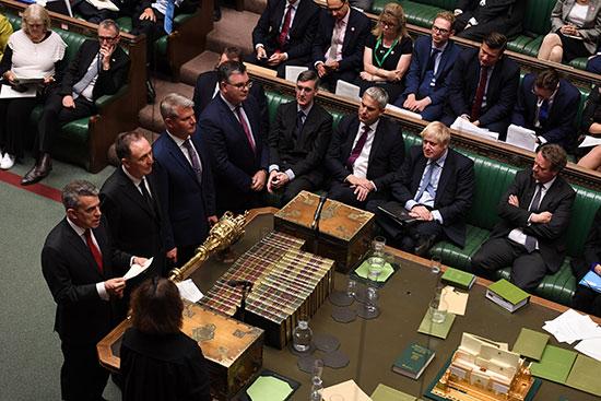 مجلس العموم البريطانى يصوت برفض طلب رئيس الوزراء إجراء انتخابات مبكرة (10)