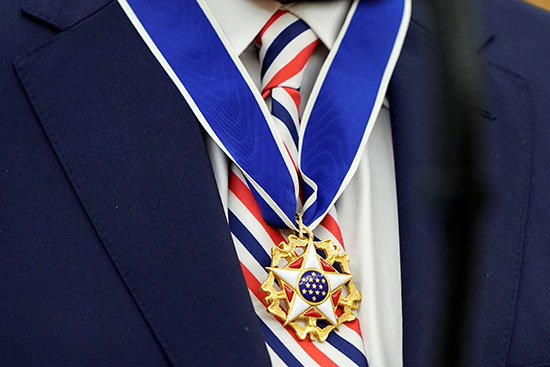 Jerry West wearing the Freedom Medal