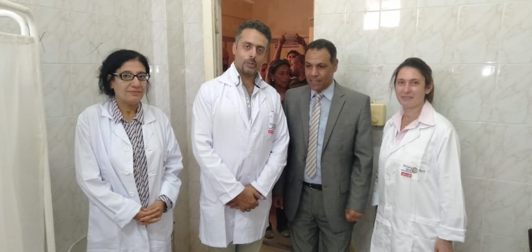 رئيس جهاز مدينة بدر يتفقد أكب رقافلة طبية بالمدينة  (4)