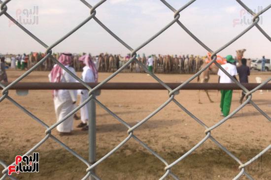 مهرجان-ولى-العهد-لسباقات-الهجن-العربية--(5)