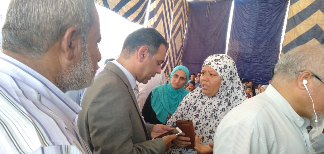 رئيس جهاز مدينة بدر يتفقد أكب رقافلة طبية بالمدينة  (8)