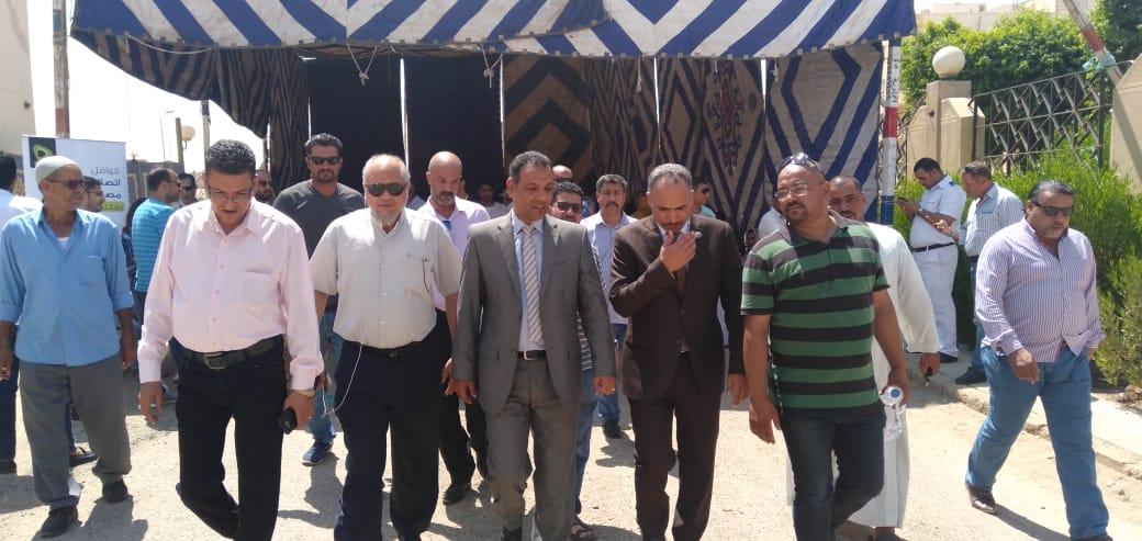رئيس جهاز مدينة بدر يتفقد أكب رقافلة طبية بالمدينة  (2)