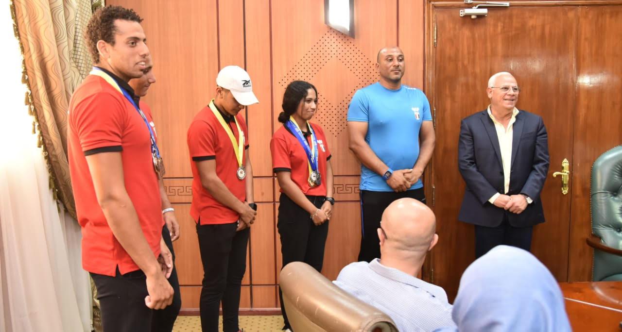 أبطال منتخب مصر لرياضة الكياك والكانوى  (8)