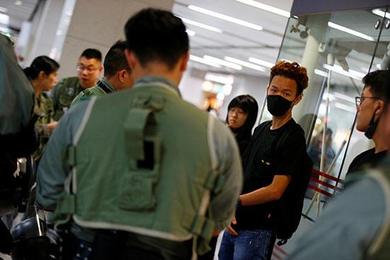 المجتجون فى هونج كونج