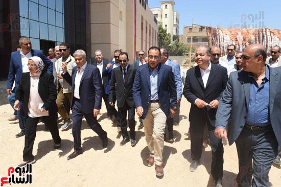 رئيس الوزراء فى جولة بالمنيا (6)