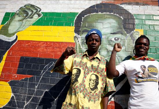 جرافيتى لرئيس زيمبابوى روبر موجابى