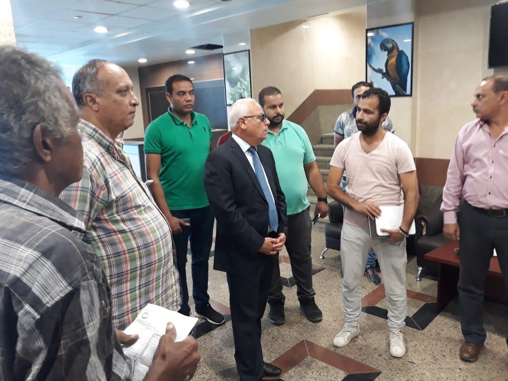 جولة محافظ بورسعيد بمستشفى الحياة (3)