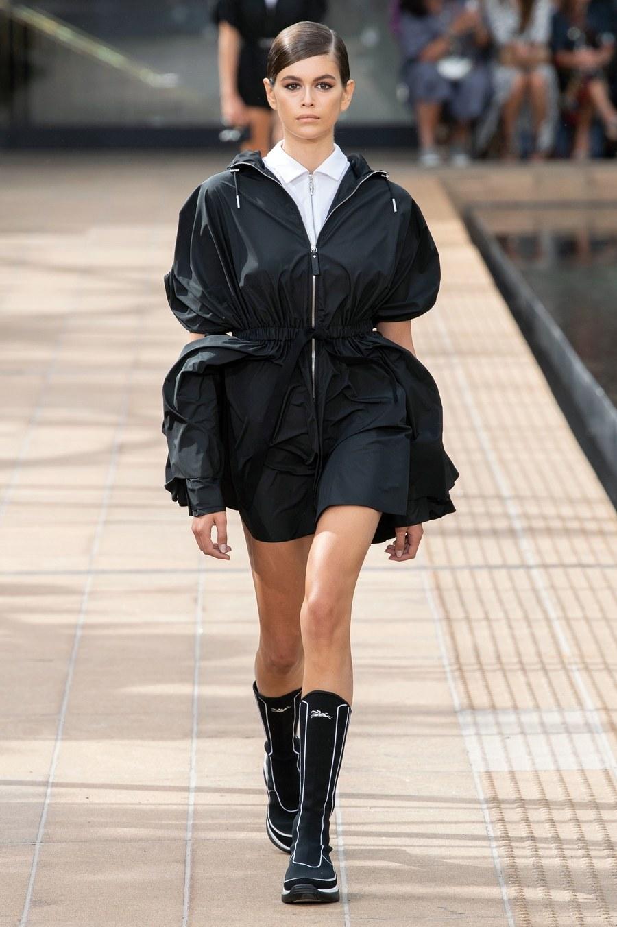 عرض أزياء Longchamp  بأسبوع الموضة بنيويورك (2)
