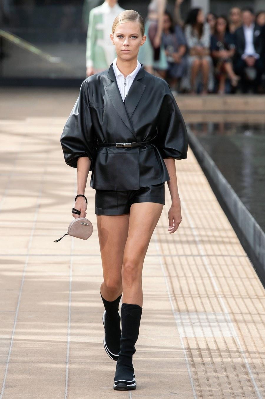 عرض أزياء Longchamp  بأسبوع الموضة بنيويورك (4)