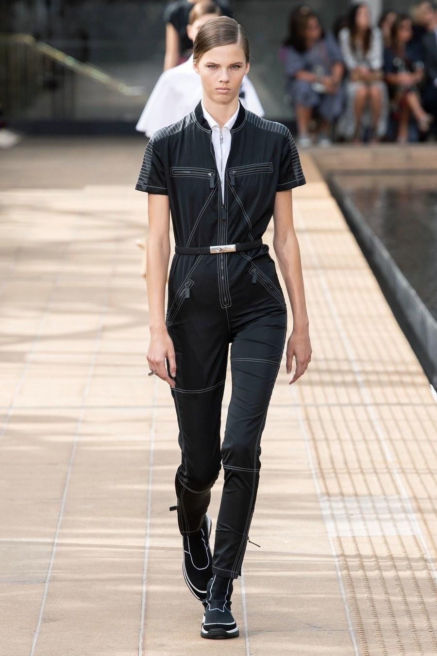 عرض أزياء Longchamp  بأسبوع الموضة بنيويورك (5)
