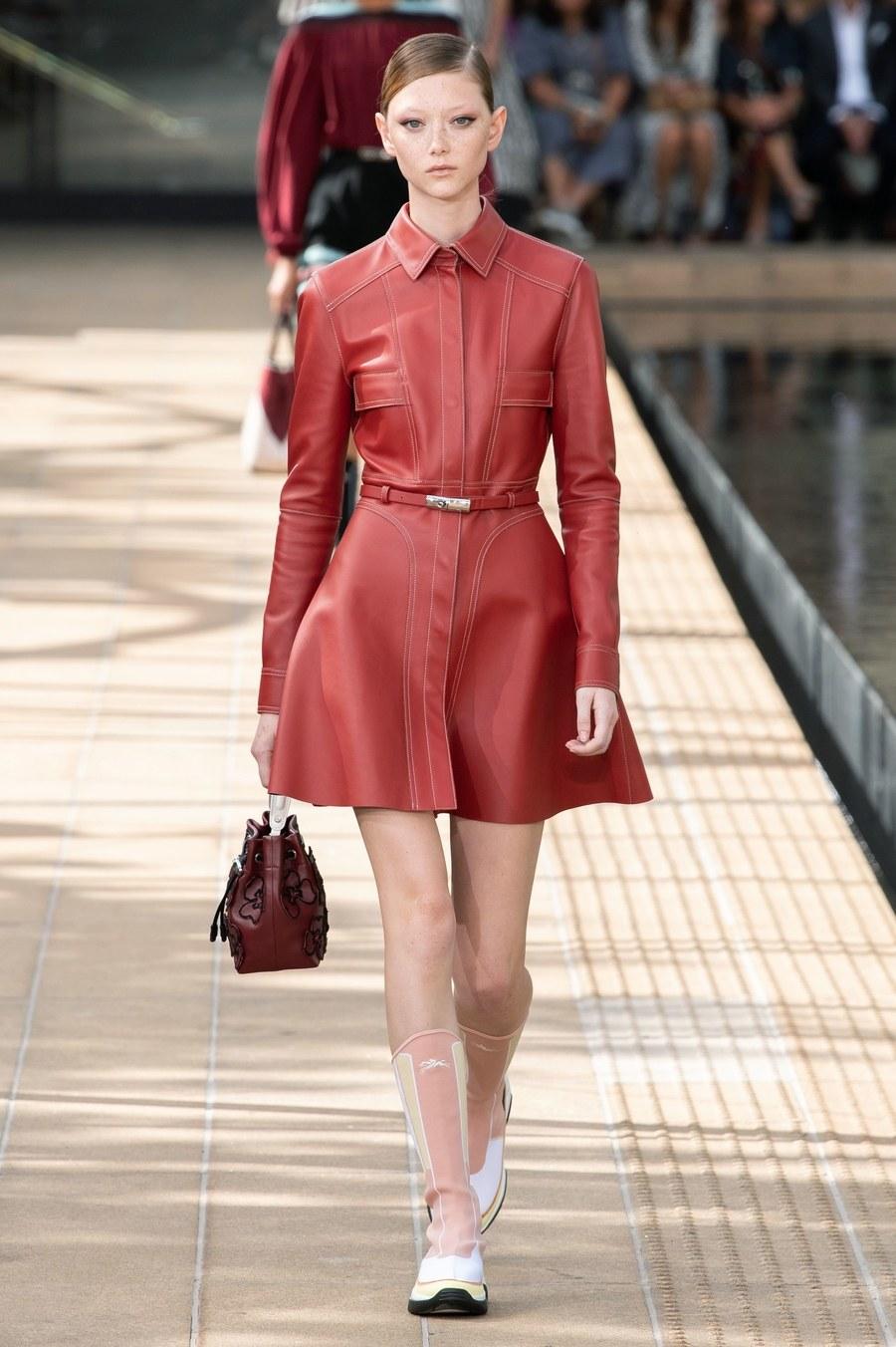 عرض أزياء Longchamp  بأسبوع الموضة بنيويورك (8)