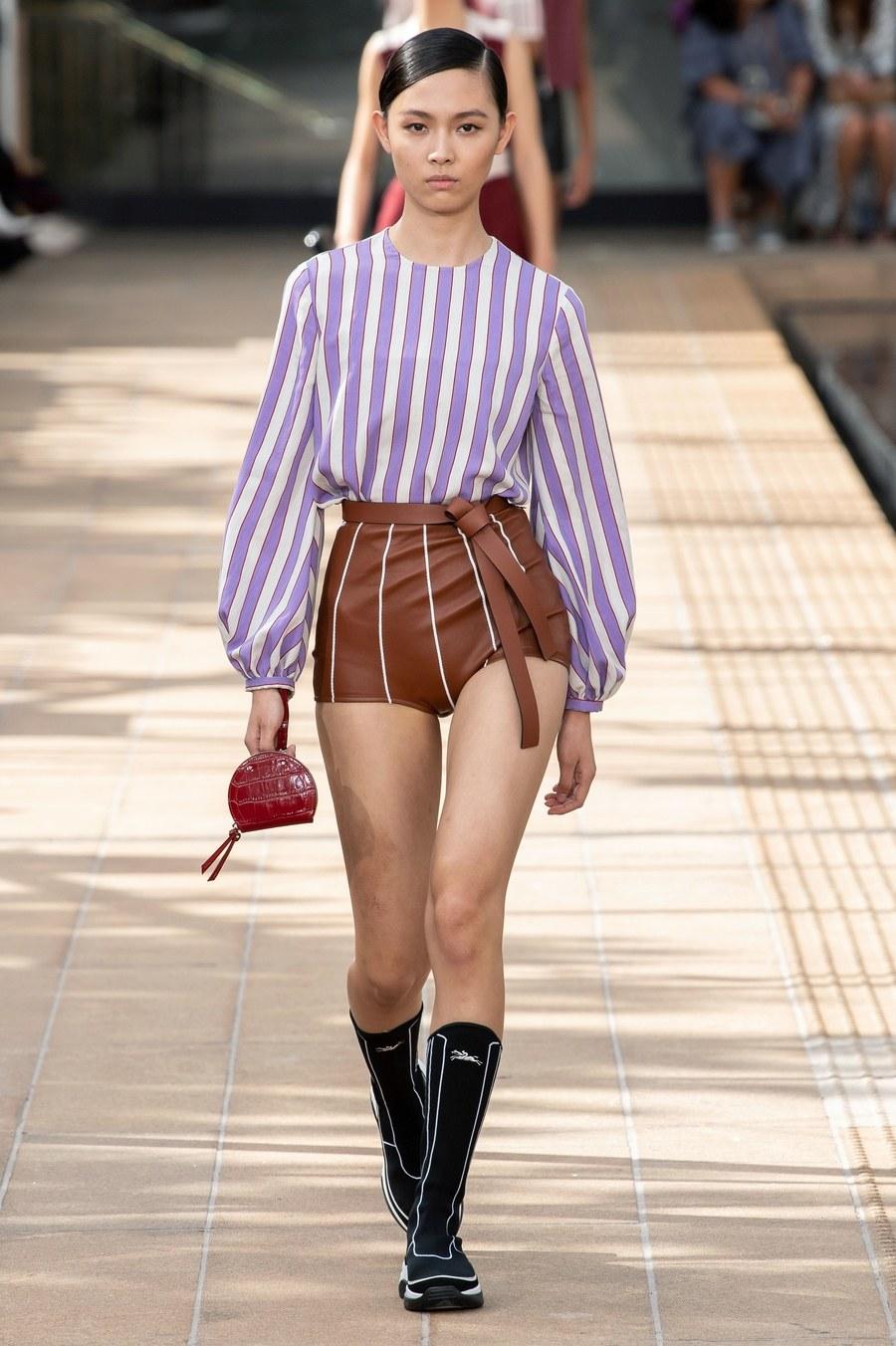 عرض أزياء Longchamp  بأسبوع الموضة بنيويورك (7)