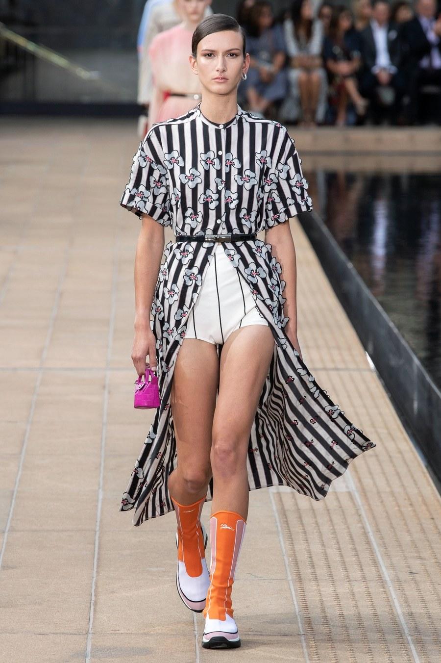 عرض أزياء Longchamp  بأسبوع الموضة بنيويورك (11)