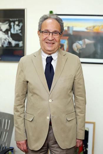 محمد العزازى رئيس جامعة مصر وخالد الطوخى