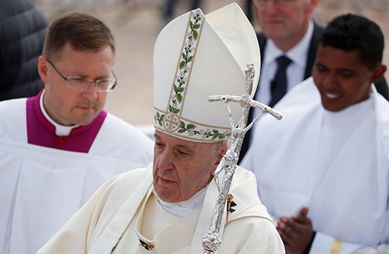 البابا يترأس صلوات القداس
