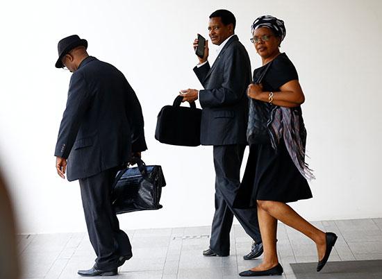 مواطنو-زيمبابوى-حرصوا-على-زيارة-جثمان-موجابى