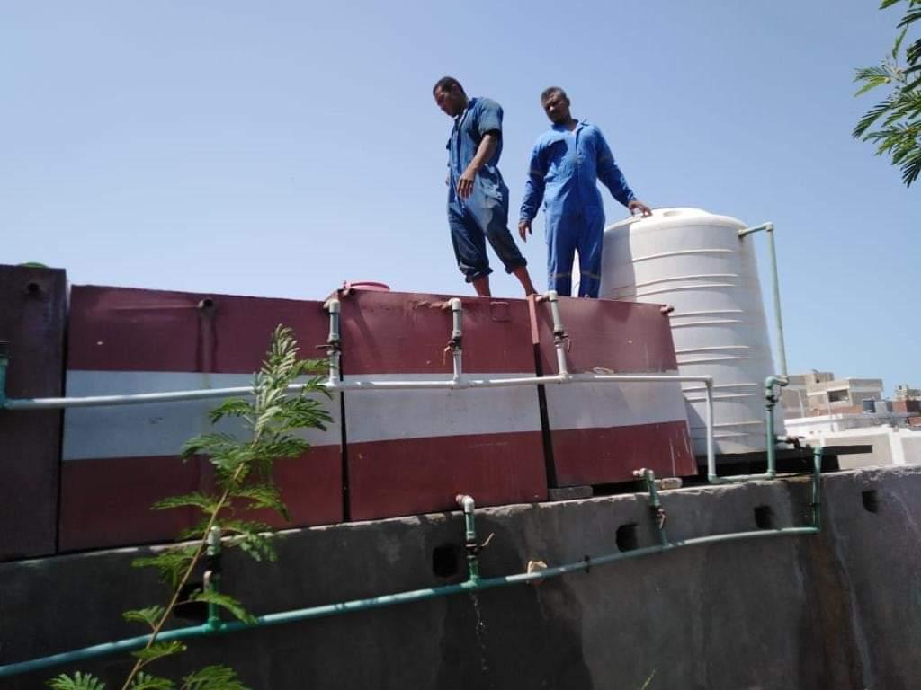 تطهير خزانات المدارس بالبحر الأحمر (3)