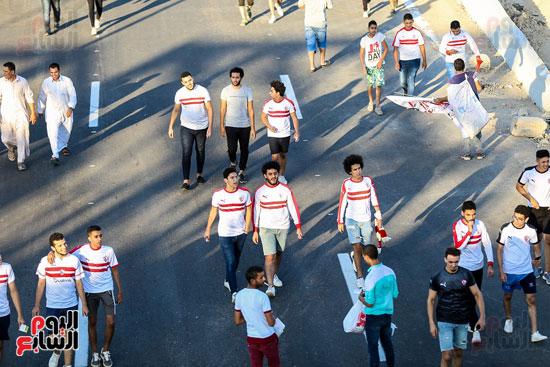 جماهير الزمالك تزحف نحو ملعب برج العرب