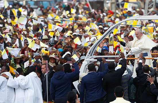 جماهير مدغشقر تحتفل بالبابا فرنسيس