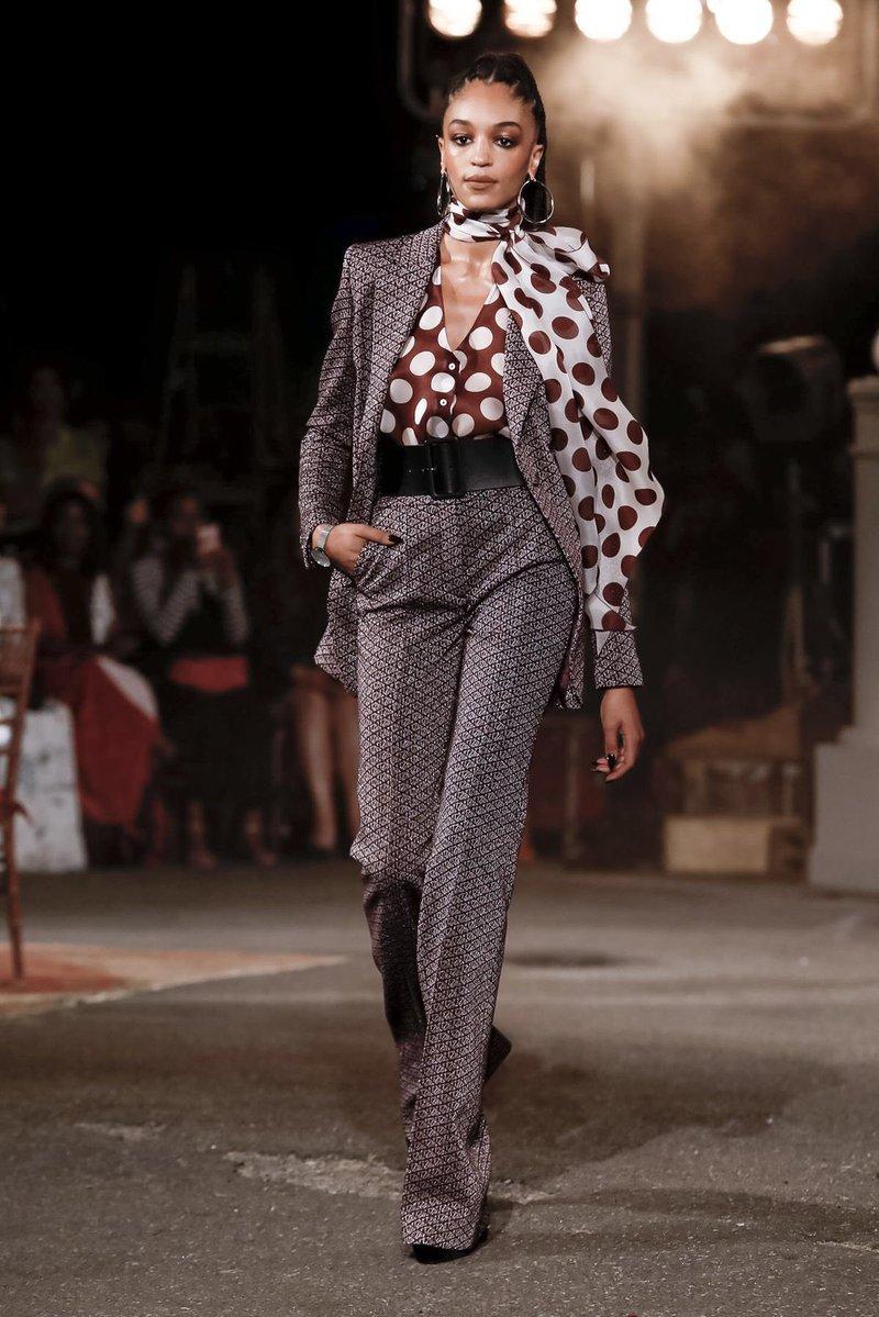 عرض أزياء تومى هيلفيجر  (3)