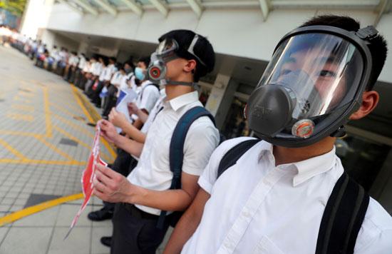 سلاسل-بشرية-لطلاب-هونج-كونج