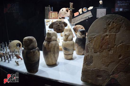 شاهد-مقتنيات-ساحرة-أخرجتها-البعثة-الآثرية-المصرية-الأمريكية-من-مقابر-العساسيف-(6)