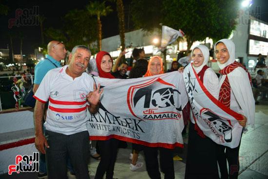 العائلة الزملكاوية تحتفل بفوز فريقها بالكأس