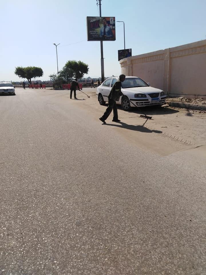 حملات نظافة وتجميل بمحيط طريق الكباش ورفع 9 أطنان قمامة ومخلفات بمدينة الأقصر (7)
