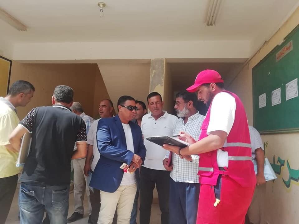 توزيع مساعدات من الهلال الأحمر على مدارس الشيخ زويد بسيناء (2)