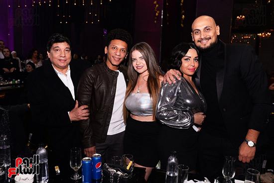 الاعلامى ممدوح حمزة مع اصدقائه
