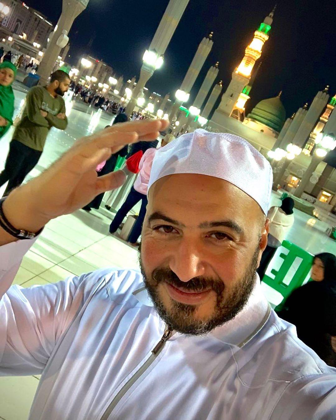 مجدى الهوارى أمام الكعبة المشرفة فى السعودية