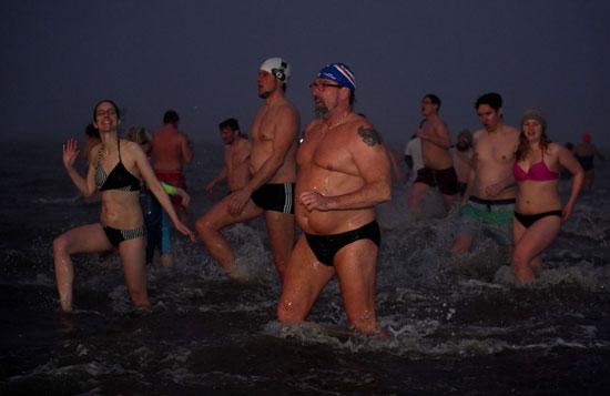 جانب السباحة الماء البارد