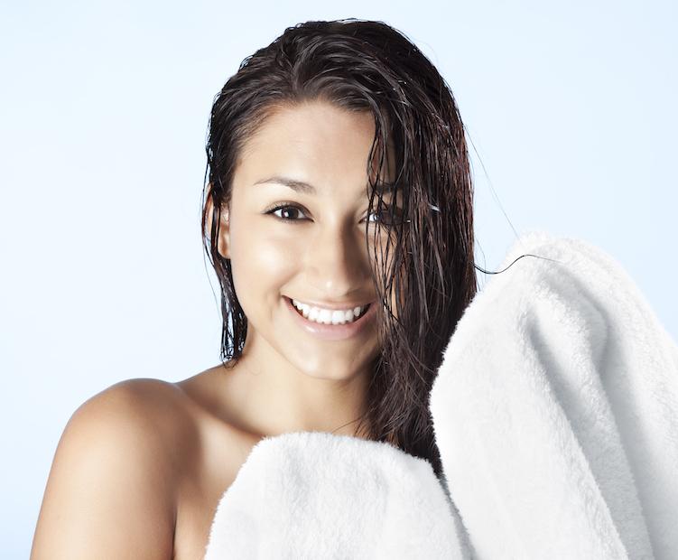 وصفات طبيعية للتخلص من الشعر الأبيض