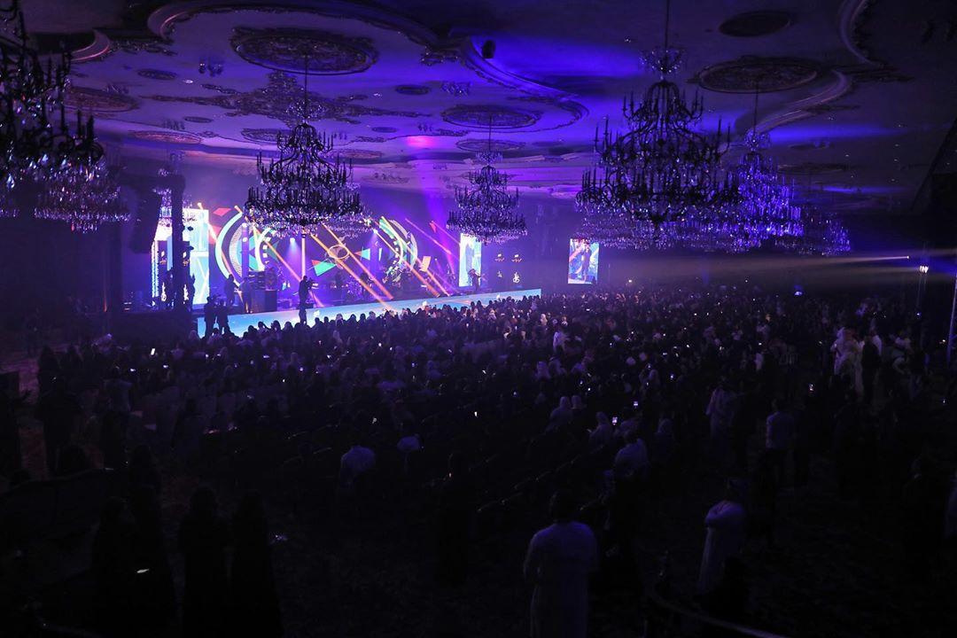 حفل غنائى كامل العدد لعمرو دياب فى جدة