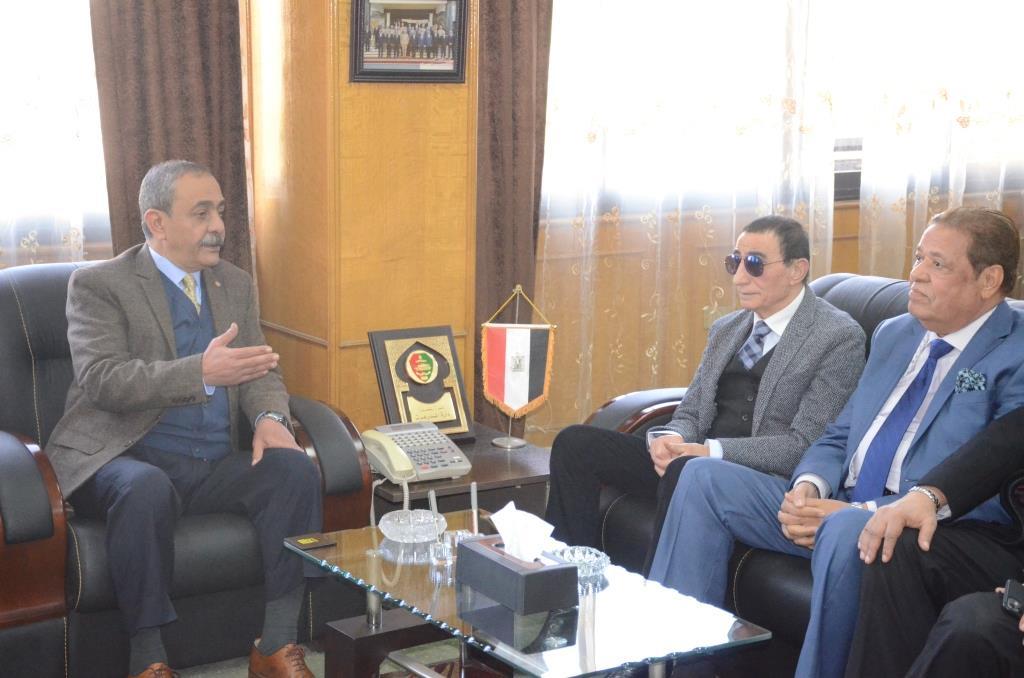 تدشين إطلاق اسم الدكتور عبد المنعم عمارة على قاعة المؤتمرات الكبرى بديوانعام محافظة الإسماعيلية (11)