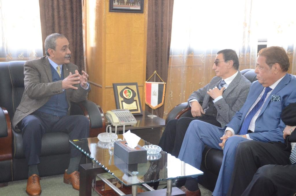 تدشين إطلاق اسم الدكتور عبد المنعم عمارة على قاعة المؤتمرات الكبرى بديوانعام محافظة الإسماعيلية (12)