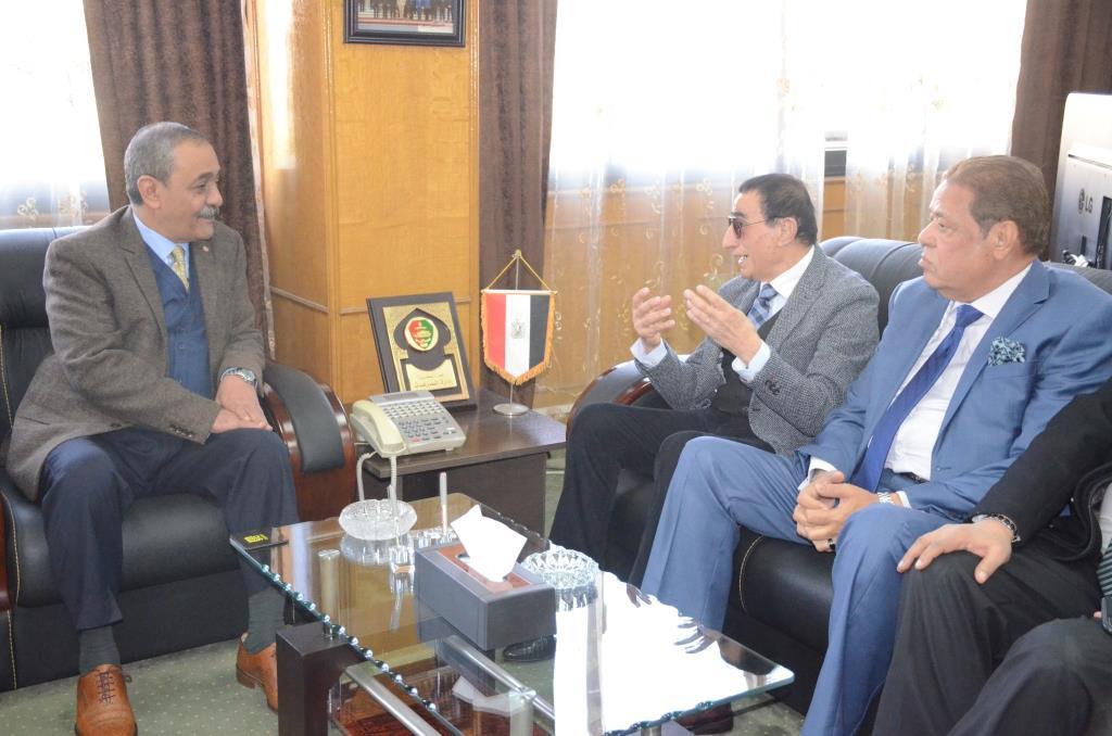 تدشين إطلاق اسم الدكتور عبد المنعم عمارة على قاعة المؤتمرات الكبرى بديوانعام محافظة الإسماعيلية (10)
