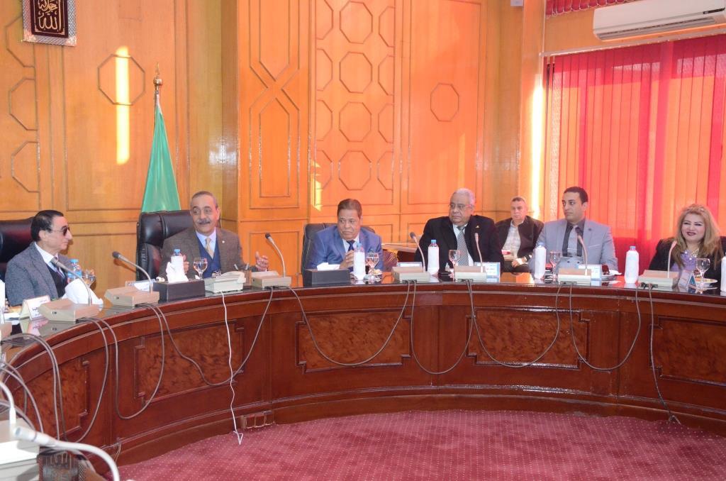 تدشين إطلاق اسم الدكتور عبد المنعم عمارة على قاعة المؤتمرات الكبرى بديوانعام محافظة الإسماعيلية (1)
