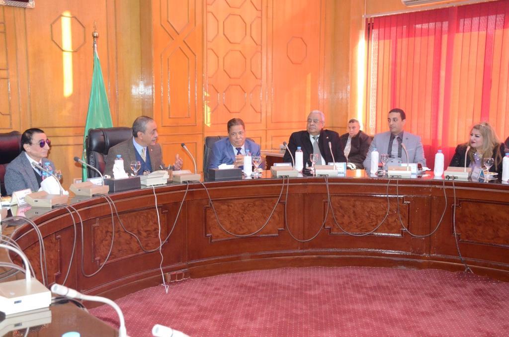 تدشين إطلاق اسم الدكتور عبد المنعم عمارة على قاعة المؤتمرات الكبرى بديوانعام محافظة الإسماعيلية (20)