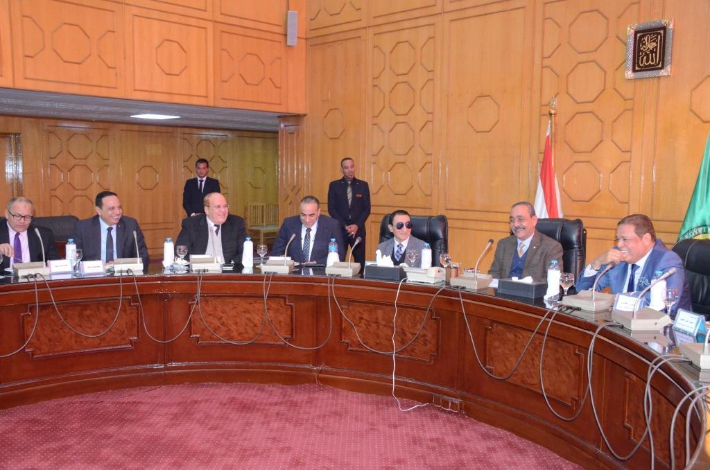 تدشين إطلاق اسم الدكتور عبد المنعم عمارة على قاعة المؤتمرات الكبرى بديوانعام محافظة الإسماعيلية (2)