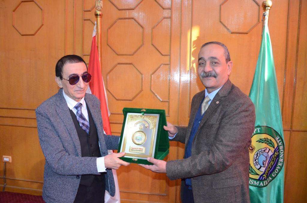 تدشين إطلاق اسم الدكتور عبد المنعم عمارة على قاعة المؤتمرات الكبرى بديوانعام محافظة الإسماعيلية (19)