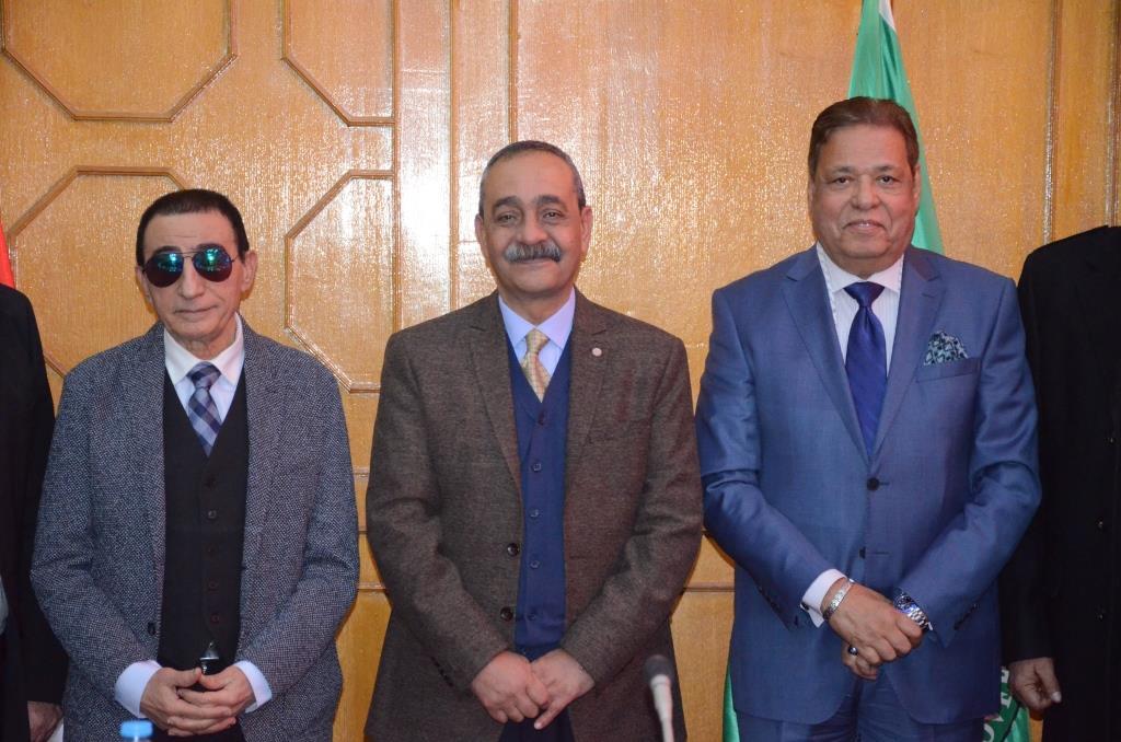 تدشين إطلاق اسم الدكتور عبد المنعم عمارة على قاعة المؤتمرات الكبرى بديوانعام محافظة الإسماعيلية (5)