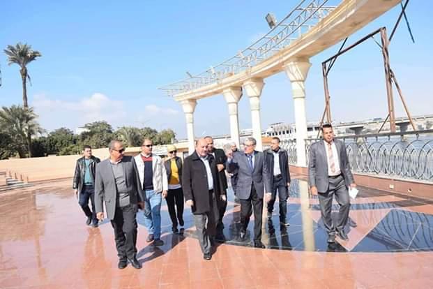 محافظ المنيا يتفقد أعمال تطوير كونيش النيل (3)
