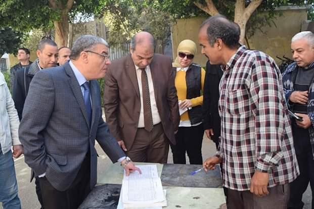 محافظ المنيا يتفقد لجان امتحانات الفصل الدراسى الأول (4)