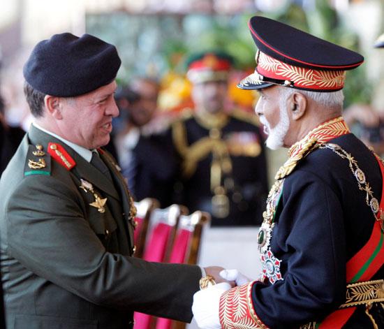 لسلطان العُماني يستقبل العاهل الأردني الملك عبد الله ، خلال احتفال بمناسبة اليوم الوطني الأربعين لسلطنة عمان