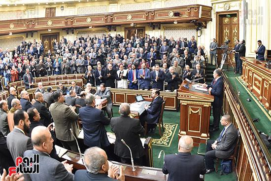 نواب البرلمان يحيون رئيس البرلمان الليبى