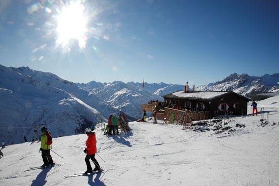 متزلجون
